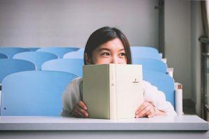 ספר שמע מול ספר רגיל