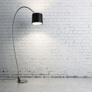 מנורה עומדת